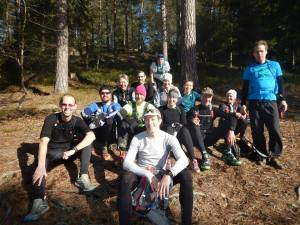 Gruppfoto i solen någonstans efter Domarudden.